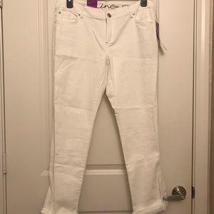 NWT INC Curvy Fit White Cropped Boyfriend Jeans